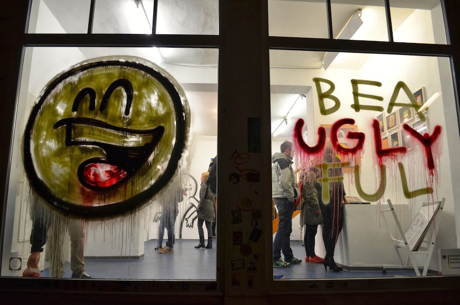 Mein Lieber Prost Affenfaust Beauglyful Exhibition Front Window Hamburg Keep Berlin Weird